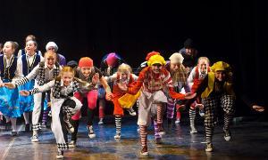 Spectacle de fin d'année par le cours de théâtre enfants - A Villefontaine (Isère) @ Espace Jacques Prévert